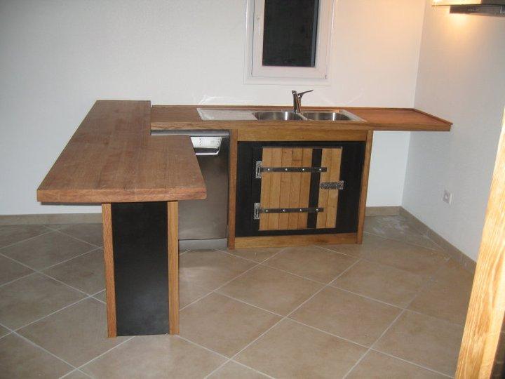 meuble bar separation cuisine americaine fabulous dans un concept duouverture directe sur le. Black Bedroom Furniture Sets. Home Design Ideas