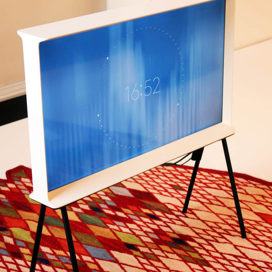 Samsung-Serif-TV-Bouroullec-004