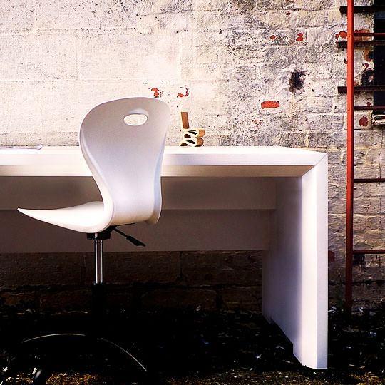 flute-office-cardboard-desk-001