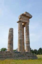 Apollon_temple_acropolis_Rhodes