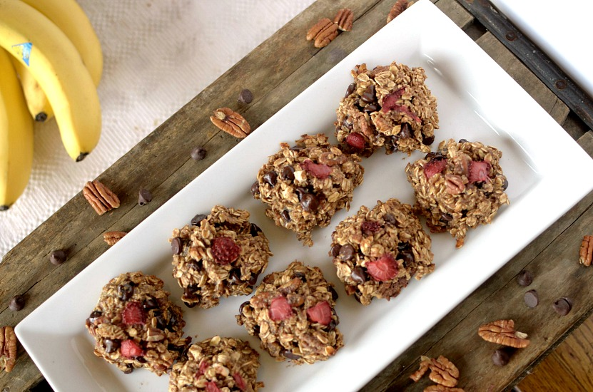 Easy-to-make, healthy and delicious Banana Split breakfast cookies that taste like that original thing! Also Gluten-free and can be vegan!