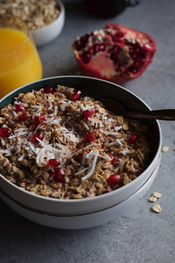 Cinnamon-Spice-and-Pomegranate-Oatmeal-8