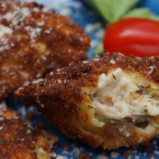 Fried Ravioli with Tomato Dipping Sauce