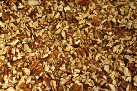 ...and a full 3 1/2 cups of toasted pecans.