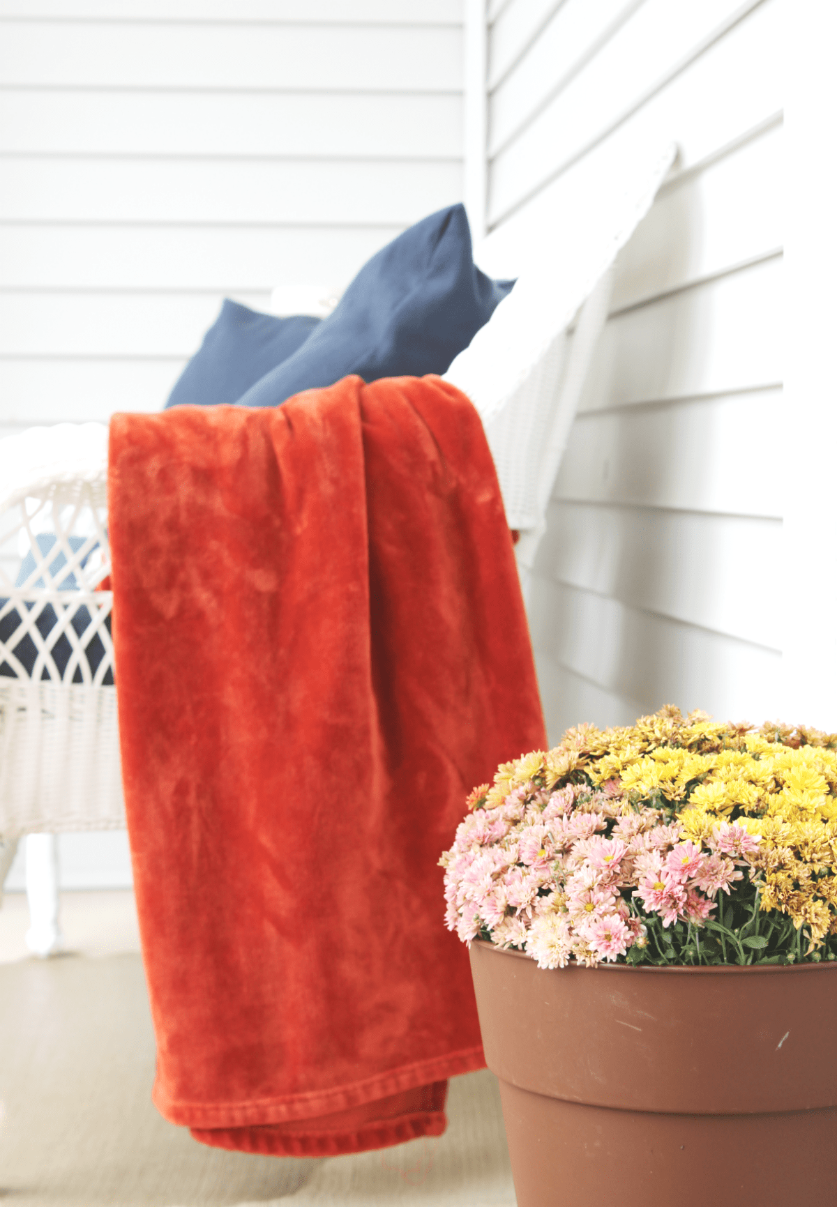 fall-porch-blanket