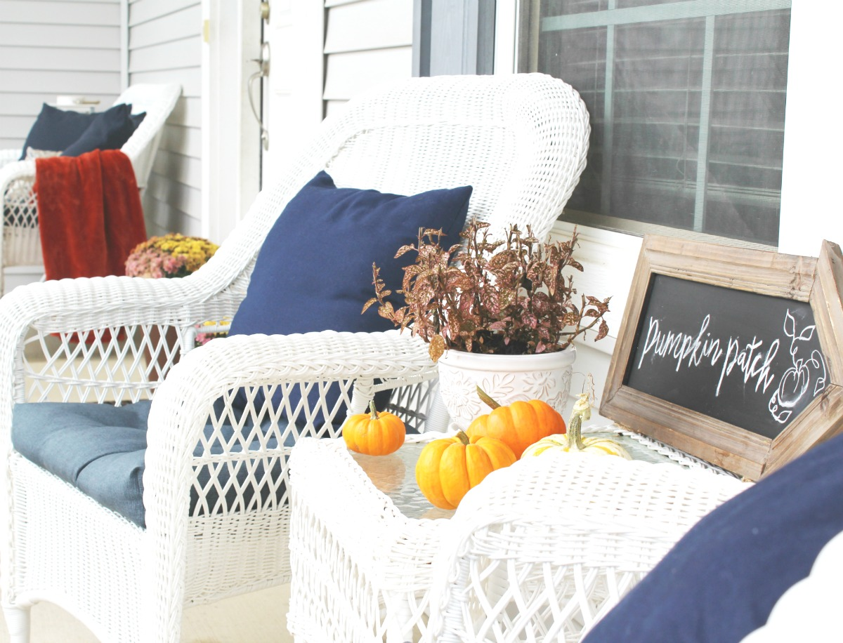 fall-porch-sitting-area