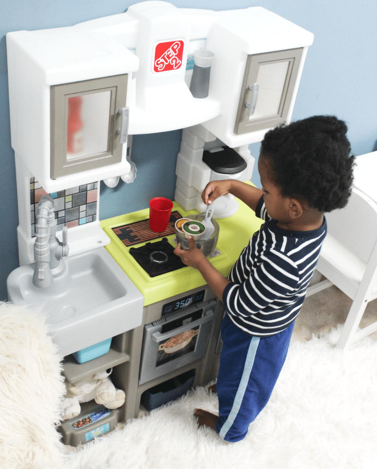 step2-play-kitchen-fun