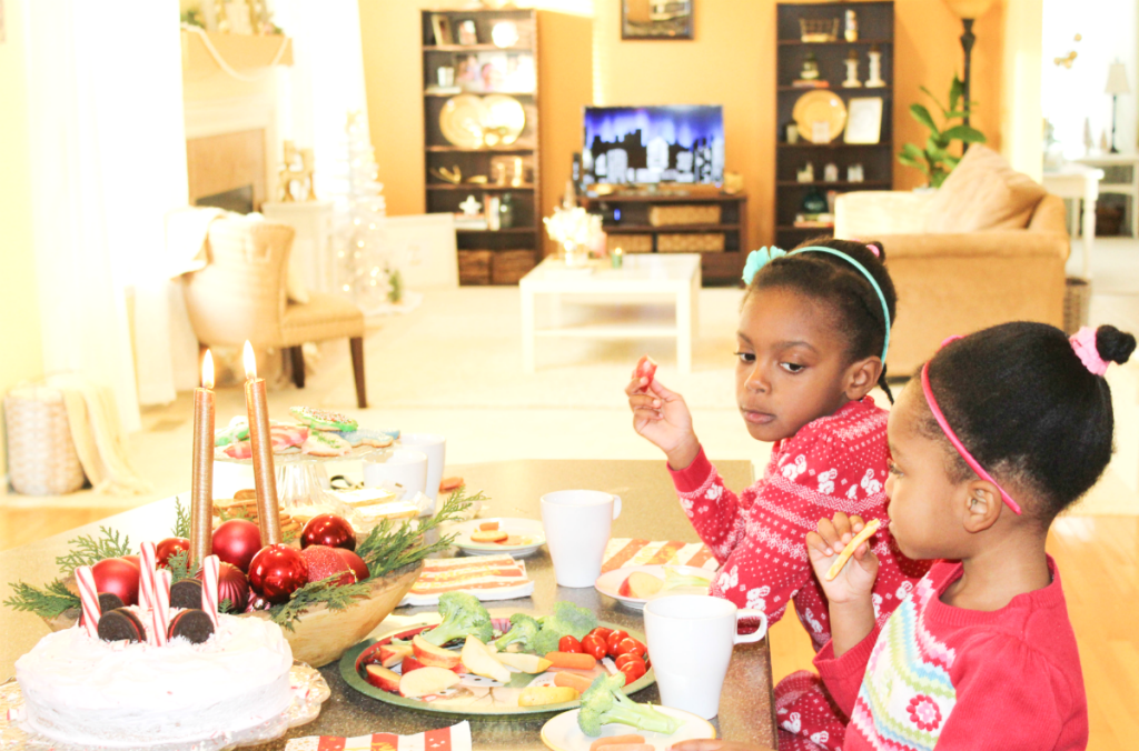 christmas-traditions-girls-eating