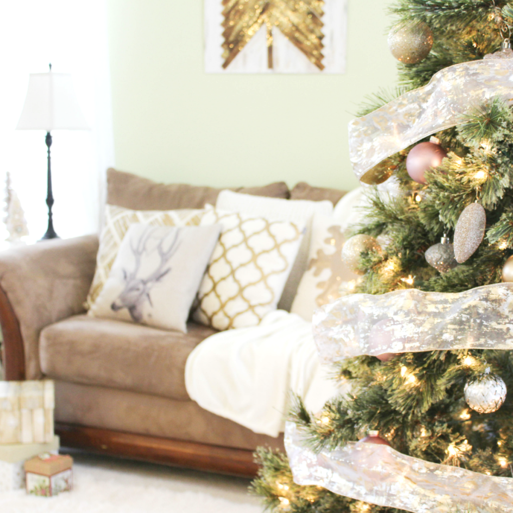 holiday-home-more-tree