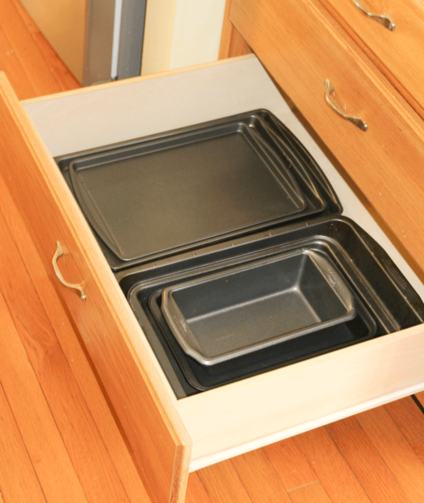 kitchen drawer organization - pans