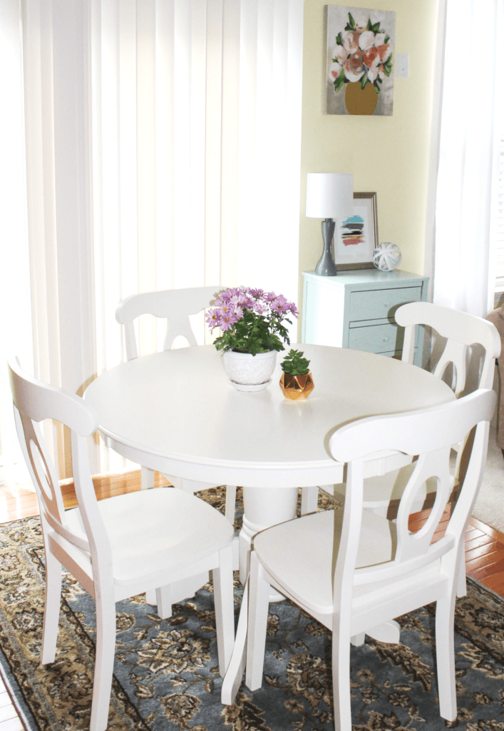 Breakfast Nook Reveal - New Table Set