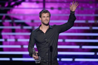 LOS ANGELES, CA - JANUARY 06:  Actor Chris Hemsworth accepts Favorite Action Movie Actor award onstage during the People's Choice Awards 2016 at Microsoft Theater on January 6, 2016 in Los Angeles, California.  (Photo by Kevin Winter/Getty Images)