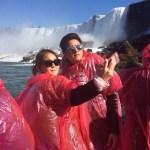 "Kathryn Bernardo & Daniel Padilla ""KathNiel"" Sweet 'Selfie' Photos in Niagara Falls"