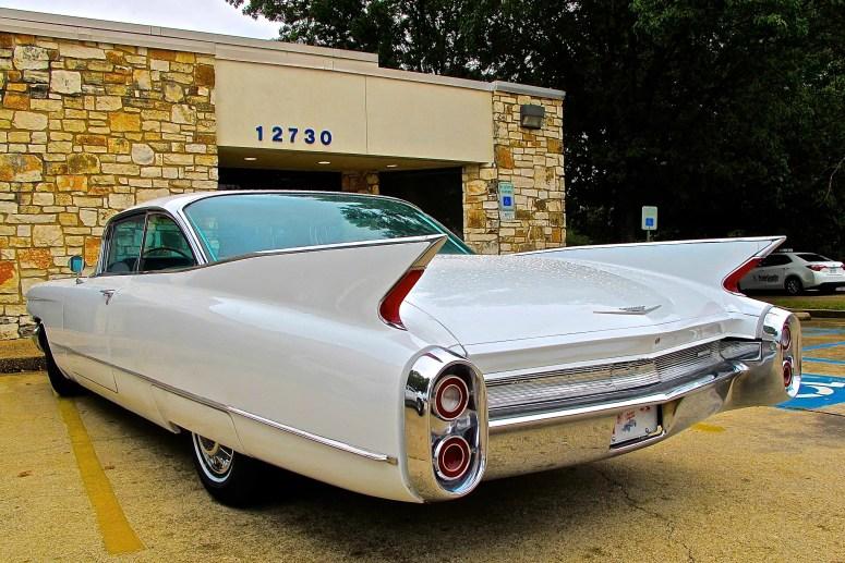 1960-cadillac-coupe-deville-in-austin-tx-atxcarpics-com-rear