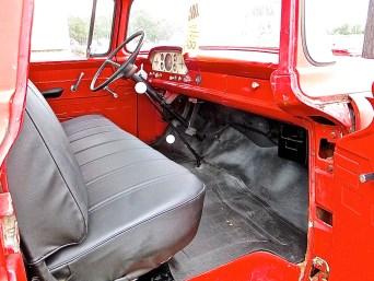 truck-1959-ford-4x4-diesel-interior