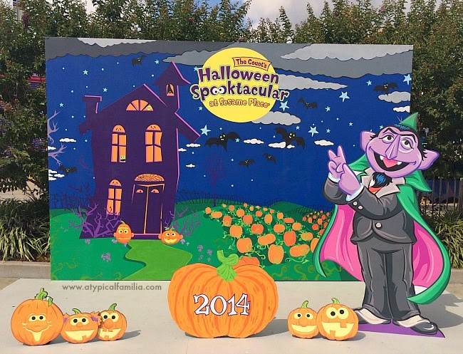 earlier this month we took a little day trip to sesame place to celebrate the first day of the counts halloween spooktacular i shared a bunch of pics via - Sesame Place Halloween