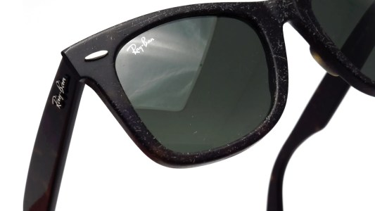 smartbuyglasses-distressed-ray-ban-wayfarer-1