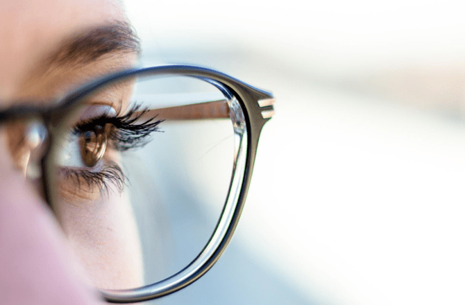 How To Clean And Remove Scratches From Your Glasses