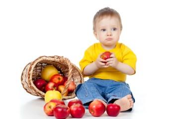 basket-apples-boy