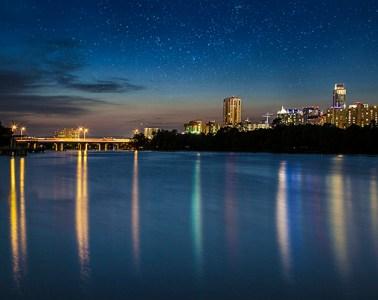 austin lady bird lake skyline bridge boardwalk bo lu