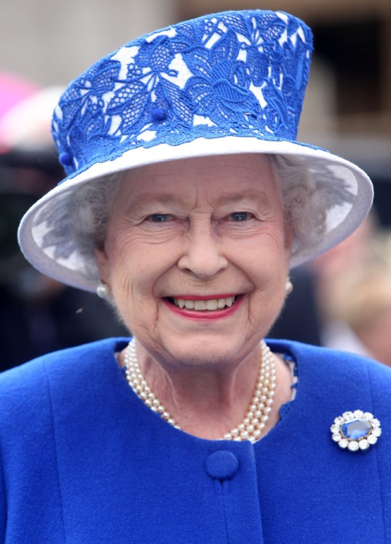 Queen Elizabeth attending a Garden Party at Balmoral Castle on August 7, 2012. / Source: Pinterest