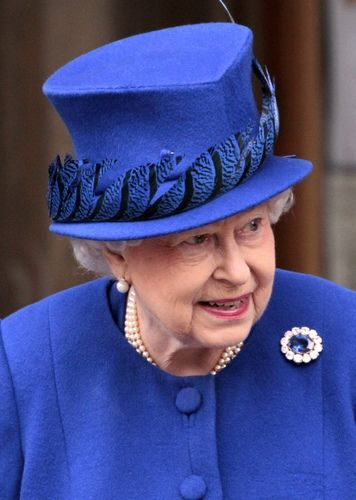 Queen Elizabeth attends Maundy Thursday service at Christ Church Cathedral in Oxford, England on March 28, 2013. / Source: Pinterest