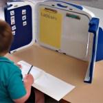 Study Nook, la mochila transformable para niños con necesidades especiales