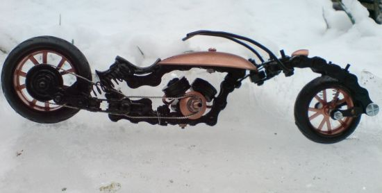 Scale souvenir motorbike models 17