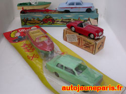 Packing Case (MG) et Blue Box Ford
