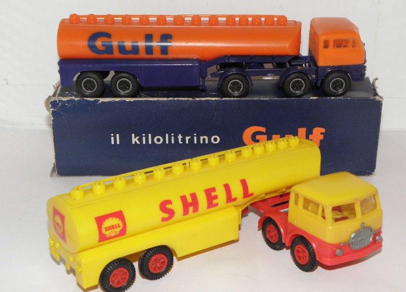 Moplast Fiat aux couleurs Gulf et Shell