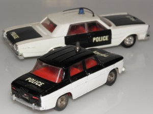 Dinky Toys Renault 8 police et Ford galaxie