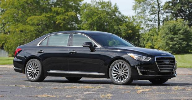 2018 Genesis G90 Pure Luxury Driving