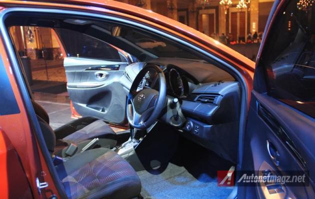 Toyota Yaris 2014 driver seat
