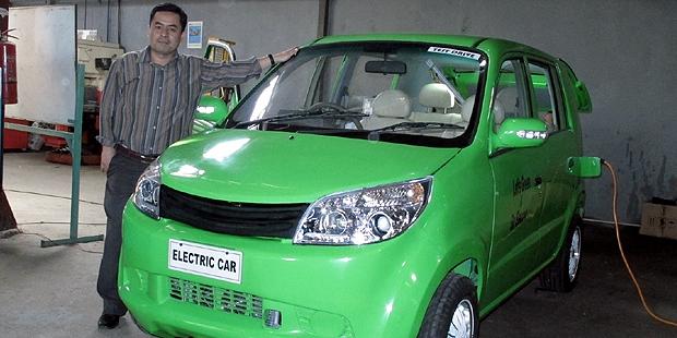 Dasep Ahmadi dan Mobil Listrik
