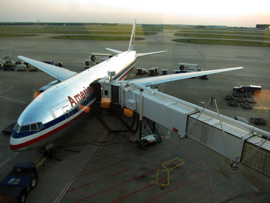 American Airlines 777 at DFW