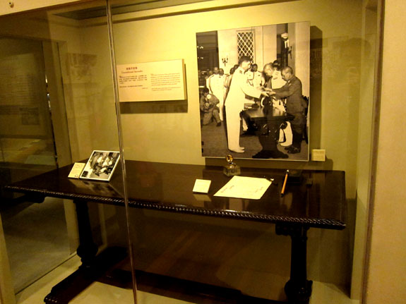 Desk used for signing of Hong Kong back to Britain from the Japanese