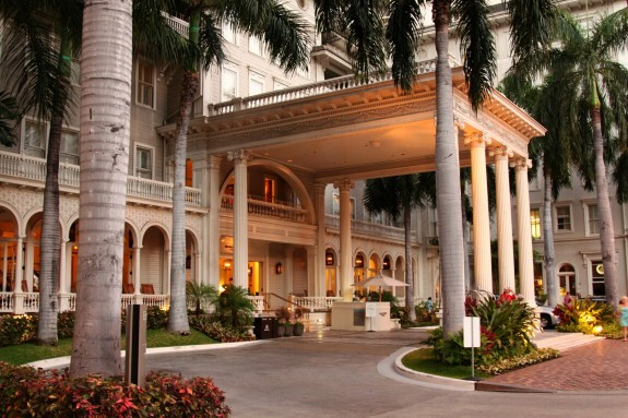 Moana Surfrider Entrance