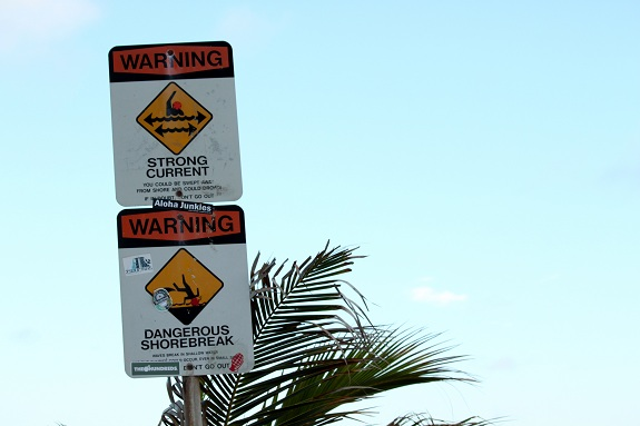 Warning Signs at Sandy Beach Park