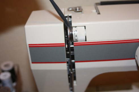 Sewing Tips : how to thread sewing machine  with a twin needle : Avery Lane Blog