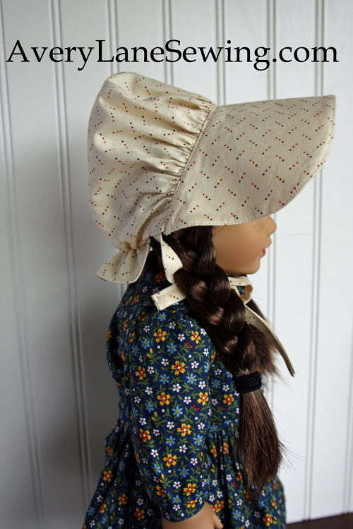 laura-ingalls-outfit-side-view-of-her-bonnet-averylanesewing