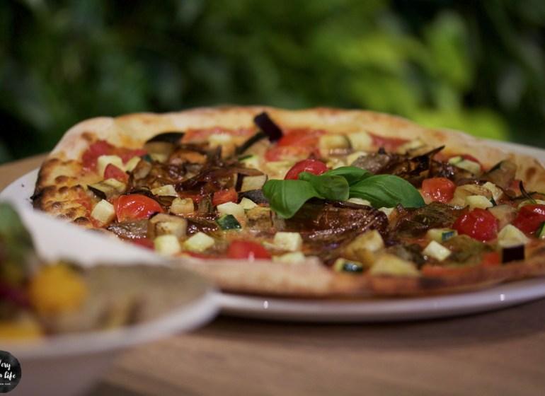 pizza-con-cipolle-balsamico-vegan