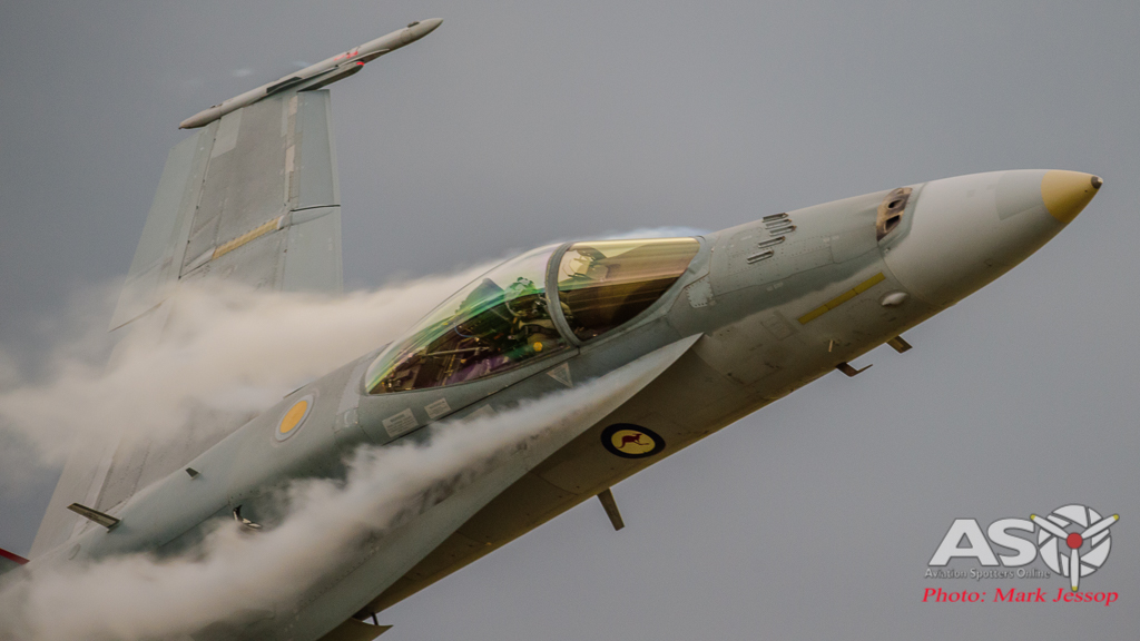 FA-18A-Hornet-A21-35-with-smashing-ecto-off-the-leading-edge