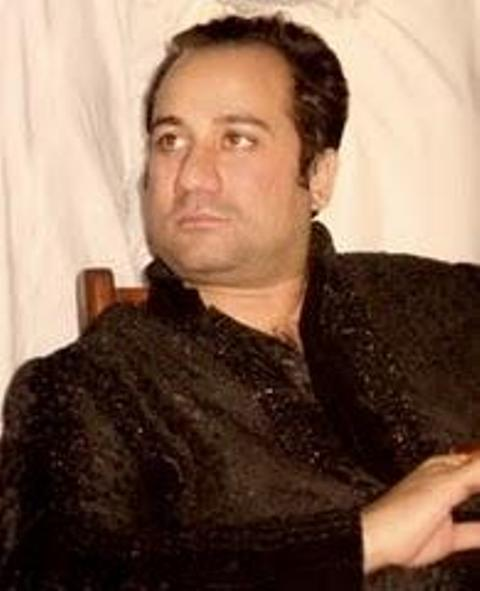 Rahat Fateh Ali Khan injured in a car accident in Lahore