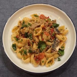 Sardine pasta - a quick, easy and healthy dish.