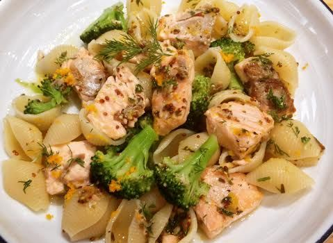 Pasta with salmon, mustard and orange.