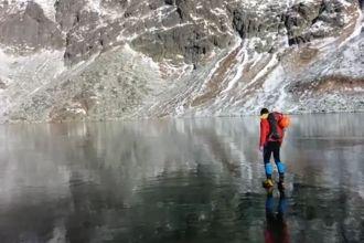 walking-on-beautiful-ice-screencap