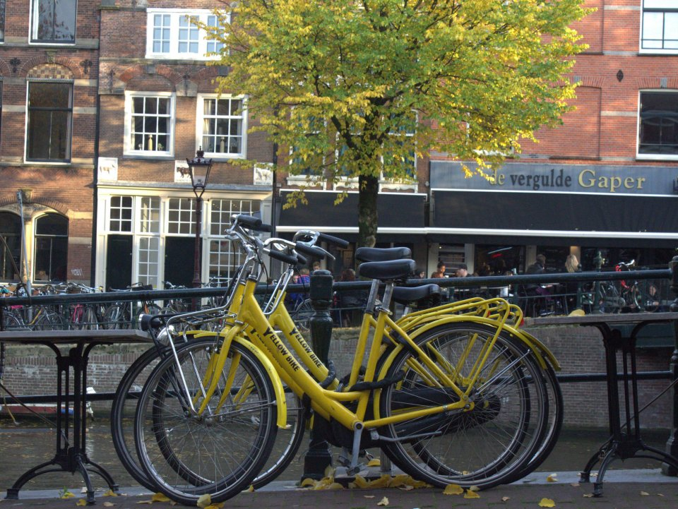 Yellow Bike: Bicycle Rental Shops in Amsterdam
