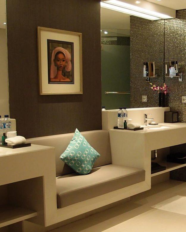 double-six-bathroom3