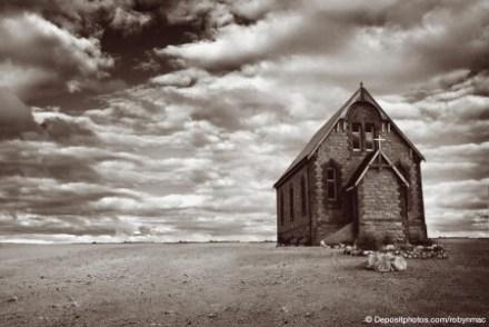 desert_church_depositphotos