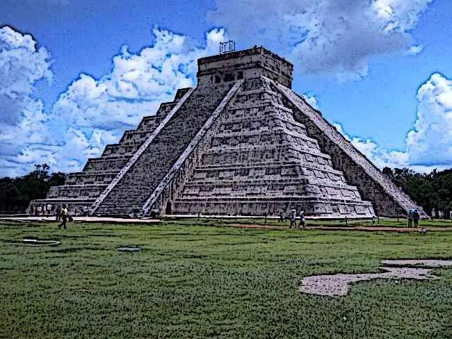 Aztec-Pyramid-at-Chichen–Itza Picture